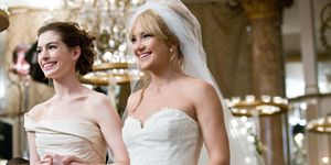 Anne Hathaway and Kate Hudson in 'Bride Wars'