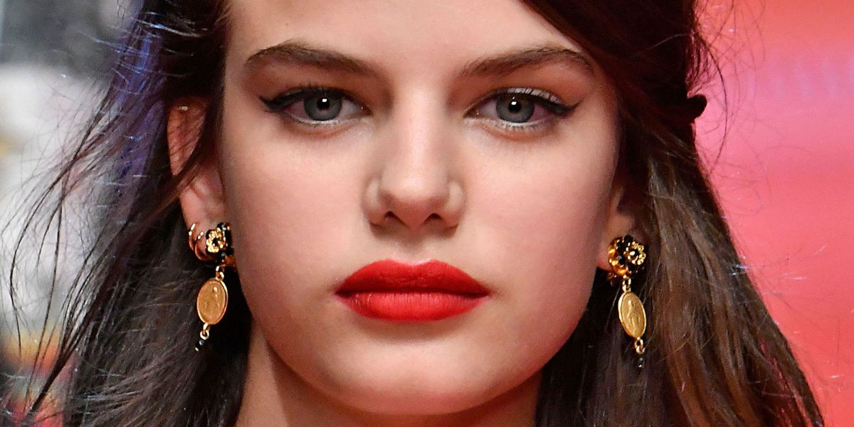 5b3f9cdca7e46 How to copy Dolce   Gabbana s couture 2018 make-up