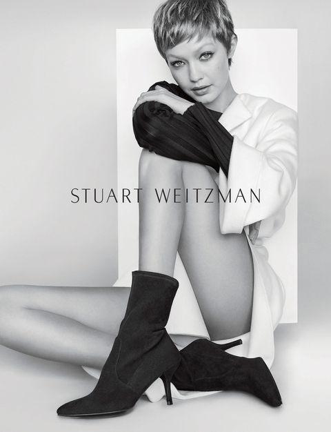 Collar, Style, Formal wear, Fashion, Black, Knee, Black-and-white, Monochrome photography, Model, Fashion model,