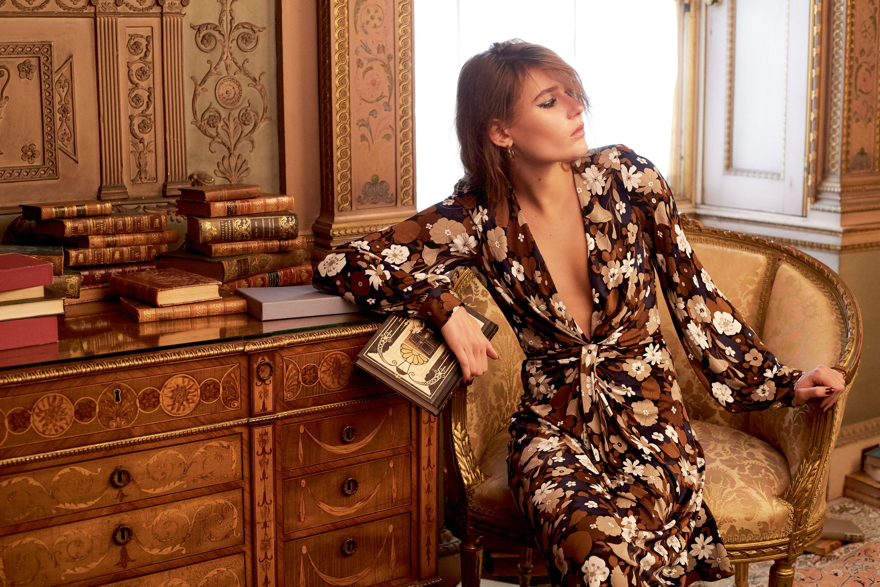 10 Of The Best Fashion Biographies To Read Now