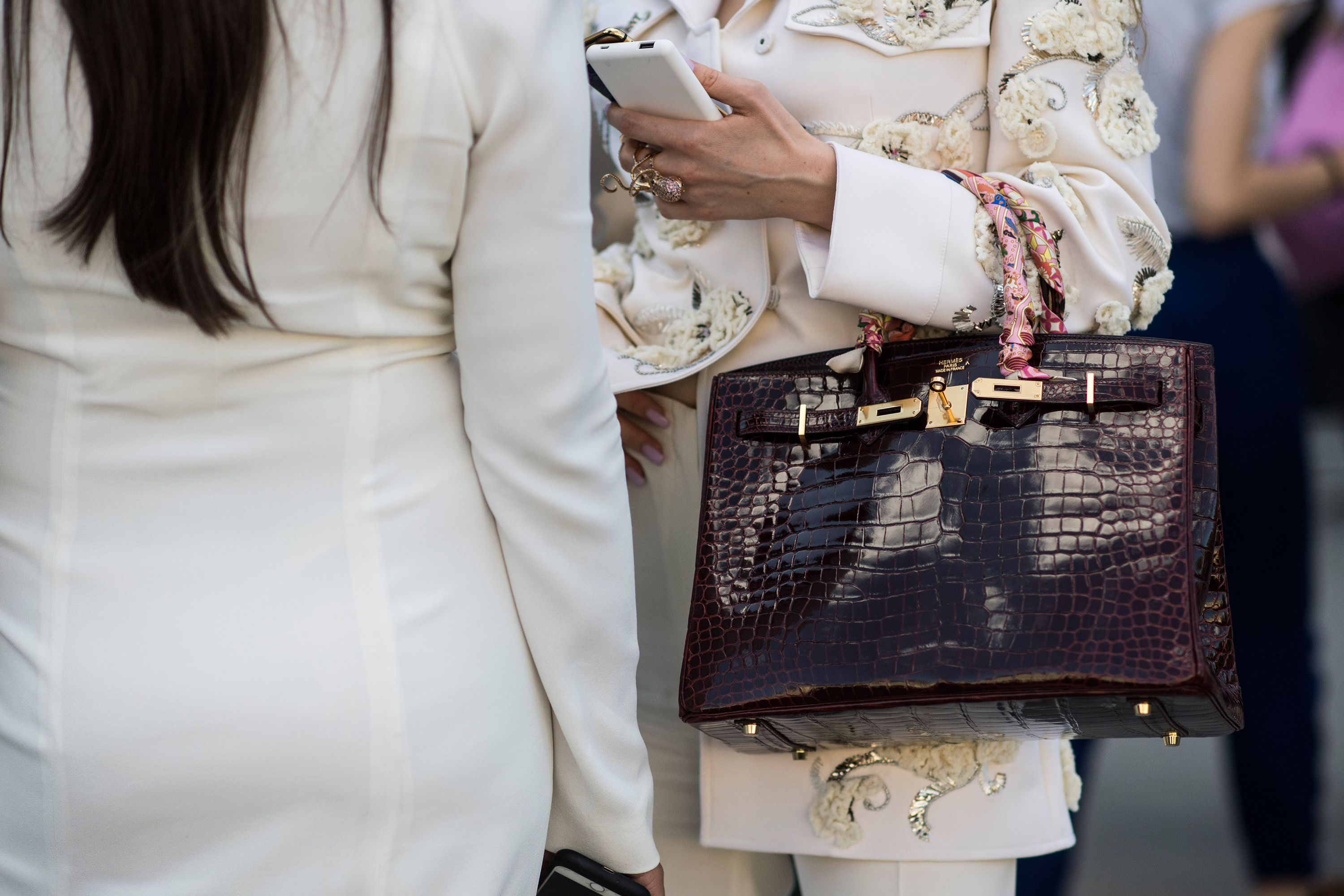 Hermés Birkin bag sells for over £160,000 in London auction