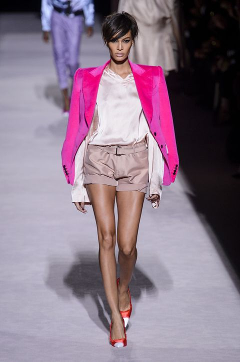 Fashion model, Fashion, Fashion show, Pink, Clothing, Runway, Shoulder, Fashion design, Outerwear, Public event,
