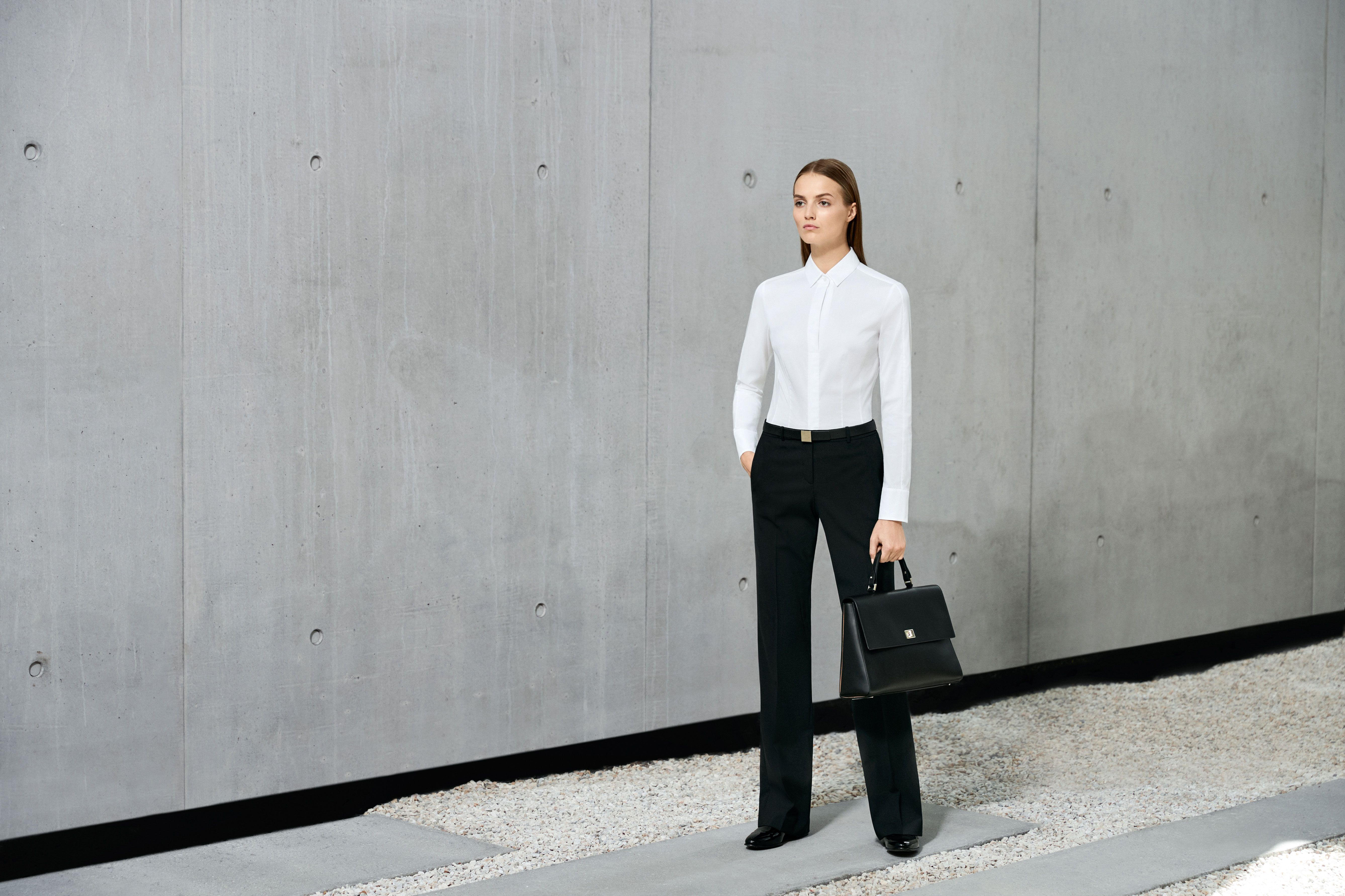 How to feel confident and dress smart at work b5f5b99f2