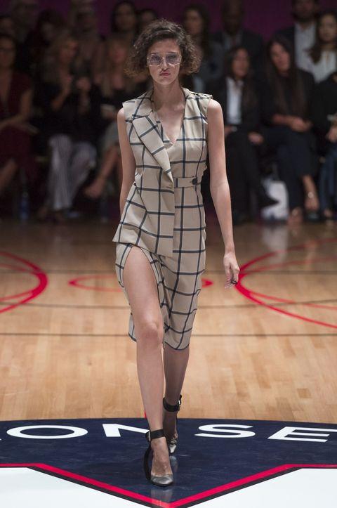 Fashion model, Runway, Fashion show, Fashion, Clothing, Fashion design, Dress, Public event, Tartan, Design,