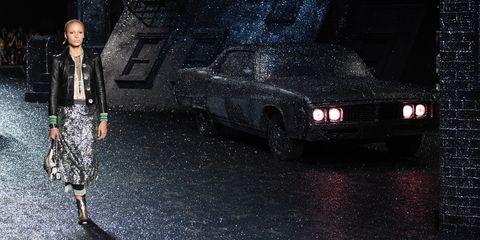 Car, Vehicle, Headlamp, Darkness, Rain, Vehicle door, Automotive exterior, Night, Automotive lighting, Compact car,