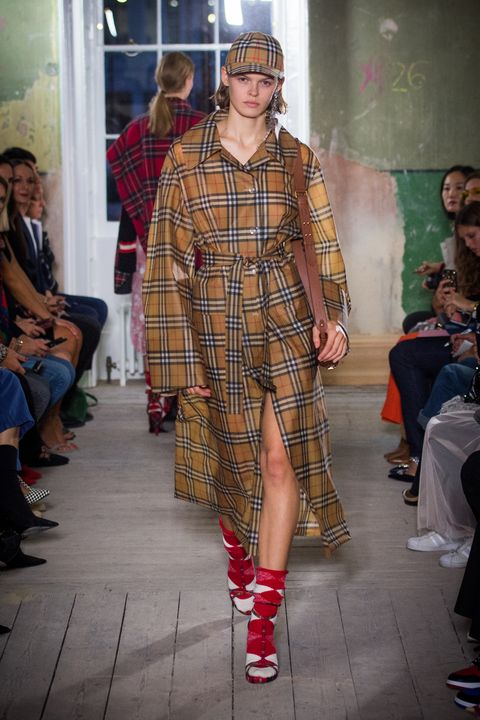 Burberry September 2017 show pictures