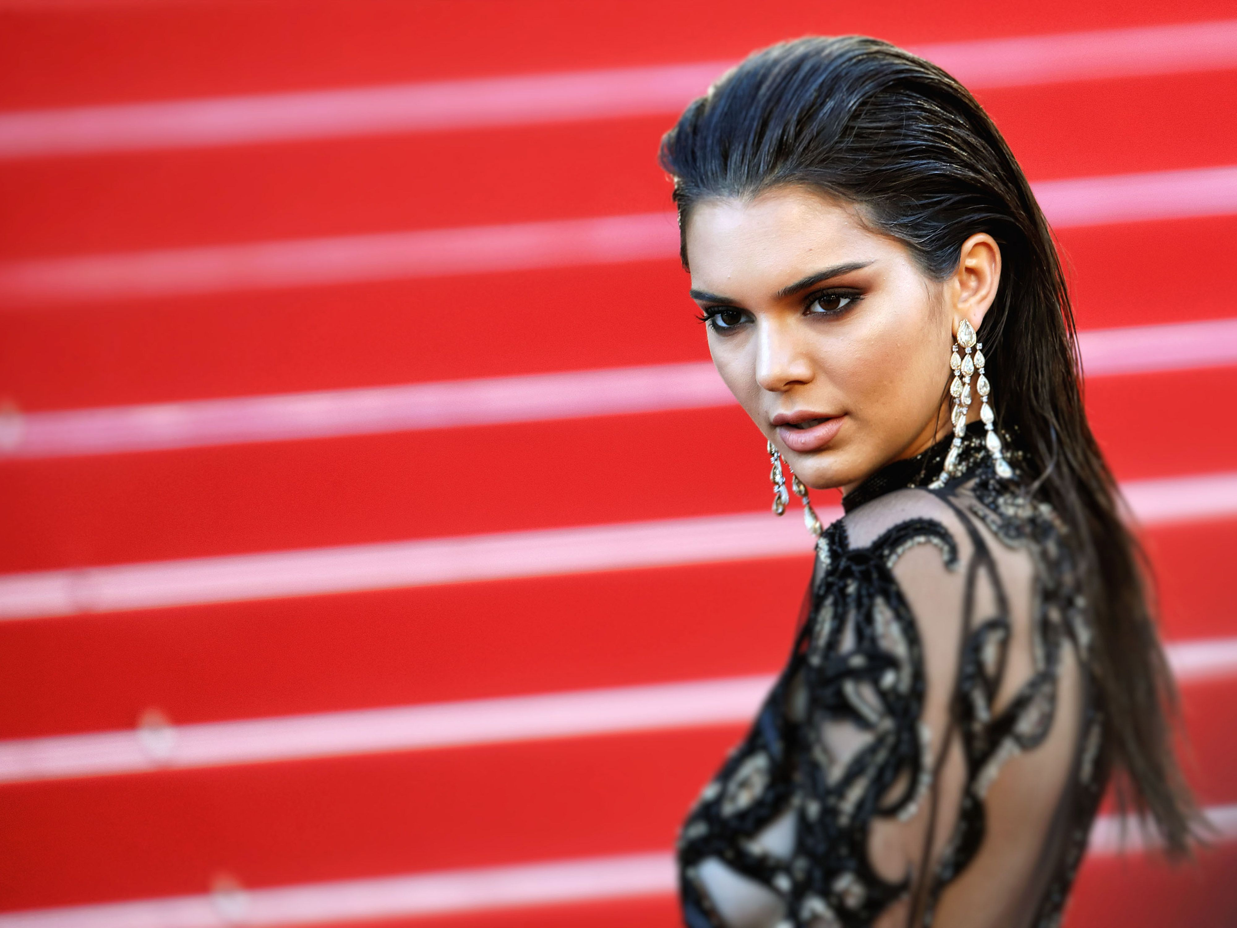 Decoding Kendall Jenner S New Cryptic Instagram Account