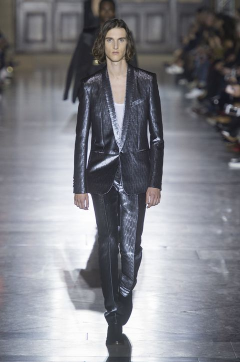 Givenchy spring summer 2018 - Clare Waight Keller debut