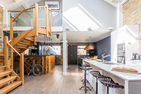 Countertop, Property, Interior design, Room, Building, Ceiling, Furniture, Floor, Home, Loft,
