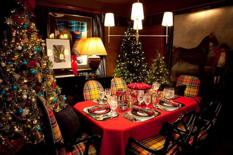 Lighting, Christmas decoration, Event, Interior design, Room, Christmas tree, Tablecloth, Christmas ornament, Interior design, Furniture,