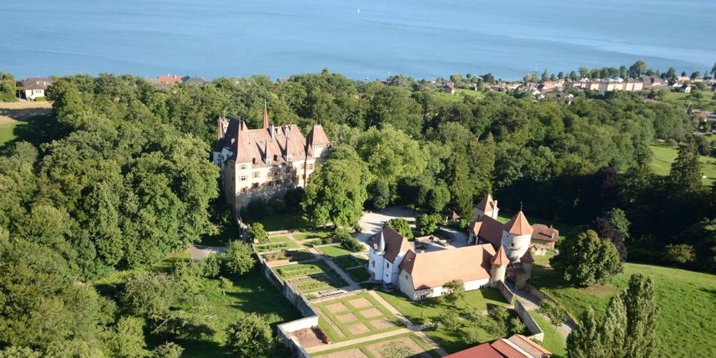 13 Castles You Could Buy Right Now... If You're Very, Very Rich
