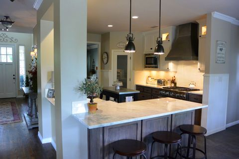Before & After: An Outdated Kitchen Gets a Rustic Modern Makeover
