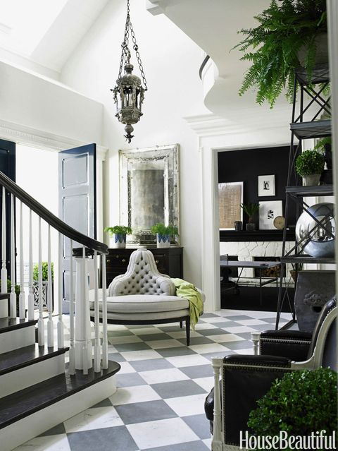 Ask a Designer: How Do I Decorate My Foyer?