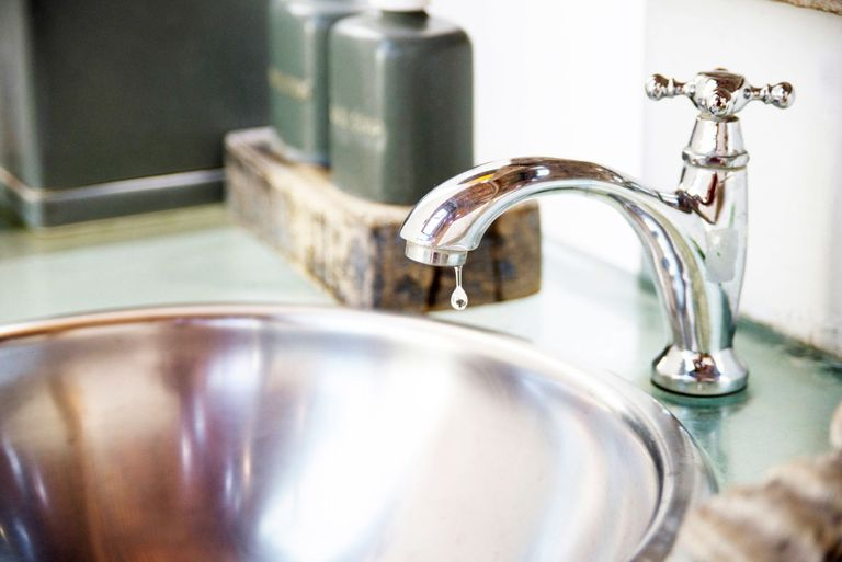 How to fix a clogged sink and leaky faucet for How to fix a clogged kitchen sink