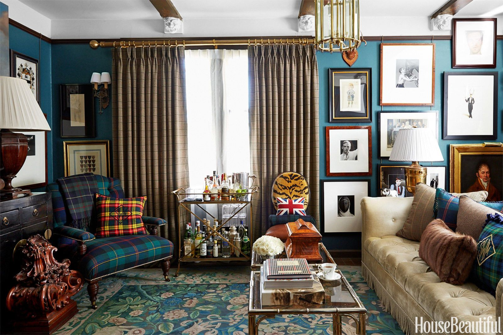 english country style living room how to decorate with english rh housebeautiful com english country living room design ideas english country living room design ideas