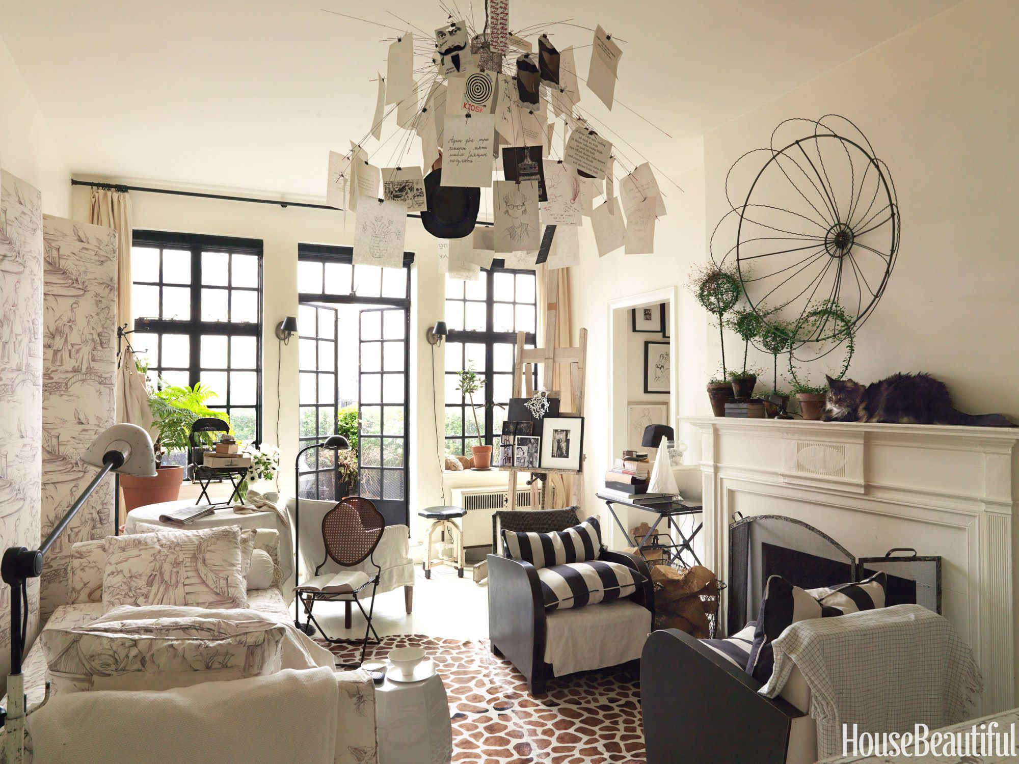 Decorating Ideas for Small Spaces - How To Organize a Small Space