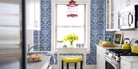 Gas stove, Room, Yellow, Interior design, Cooktop, Stove, Kitchen stove, Wall, Major appliance, Interior design,