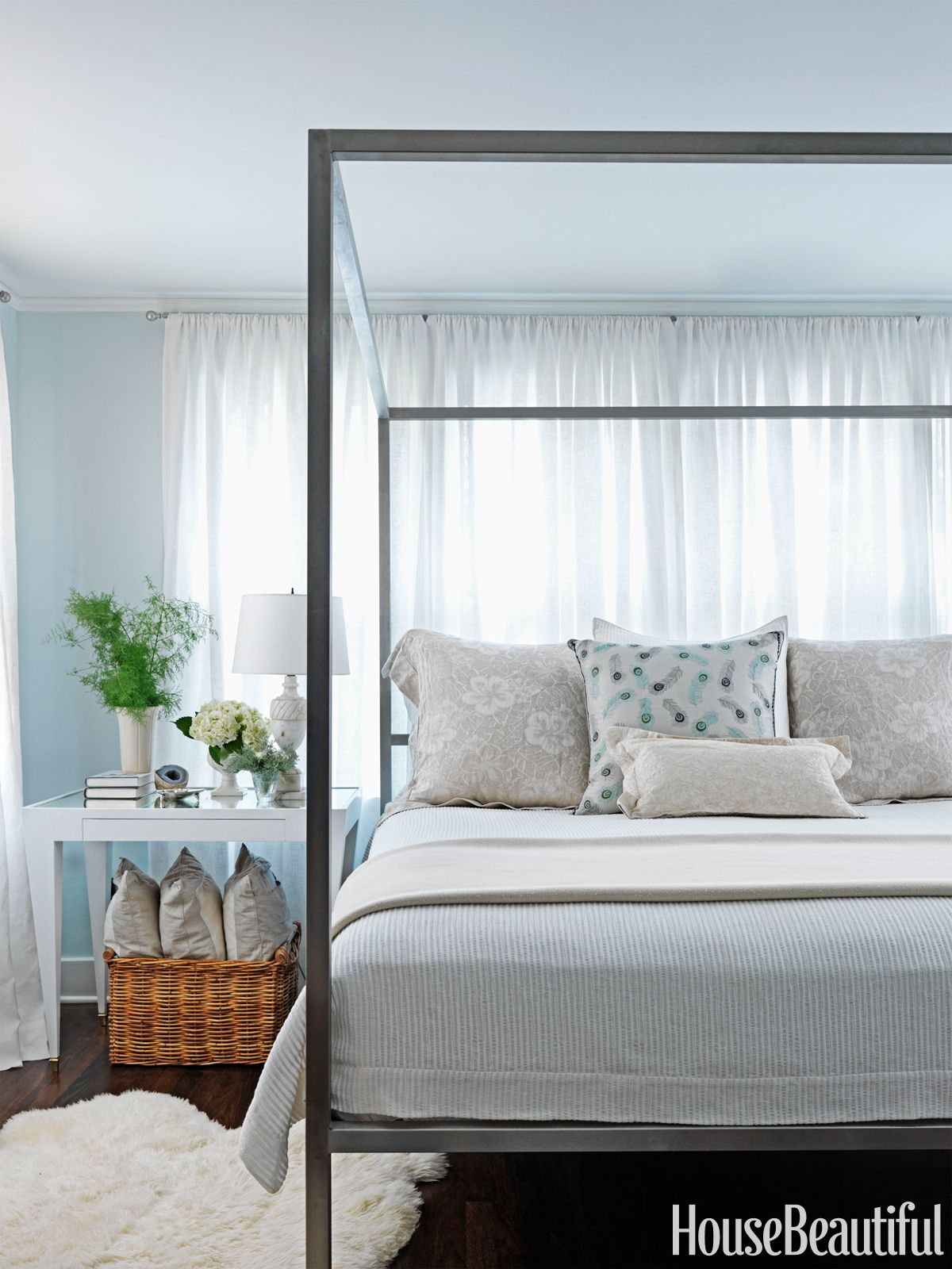 . 7 Quick Ways to Organize Your Bedroom This Spring