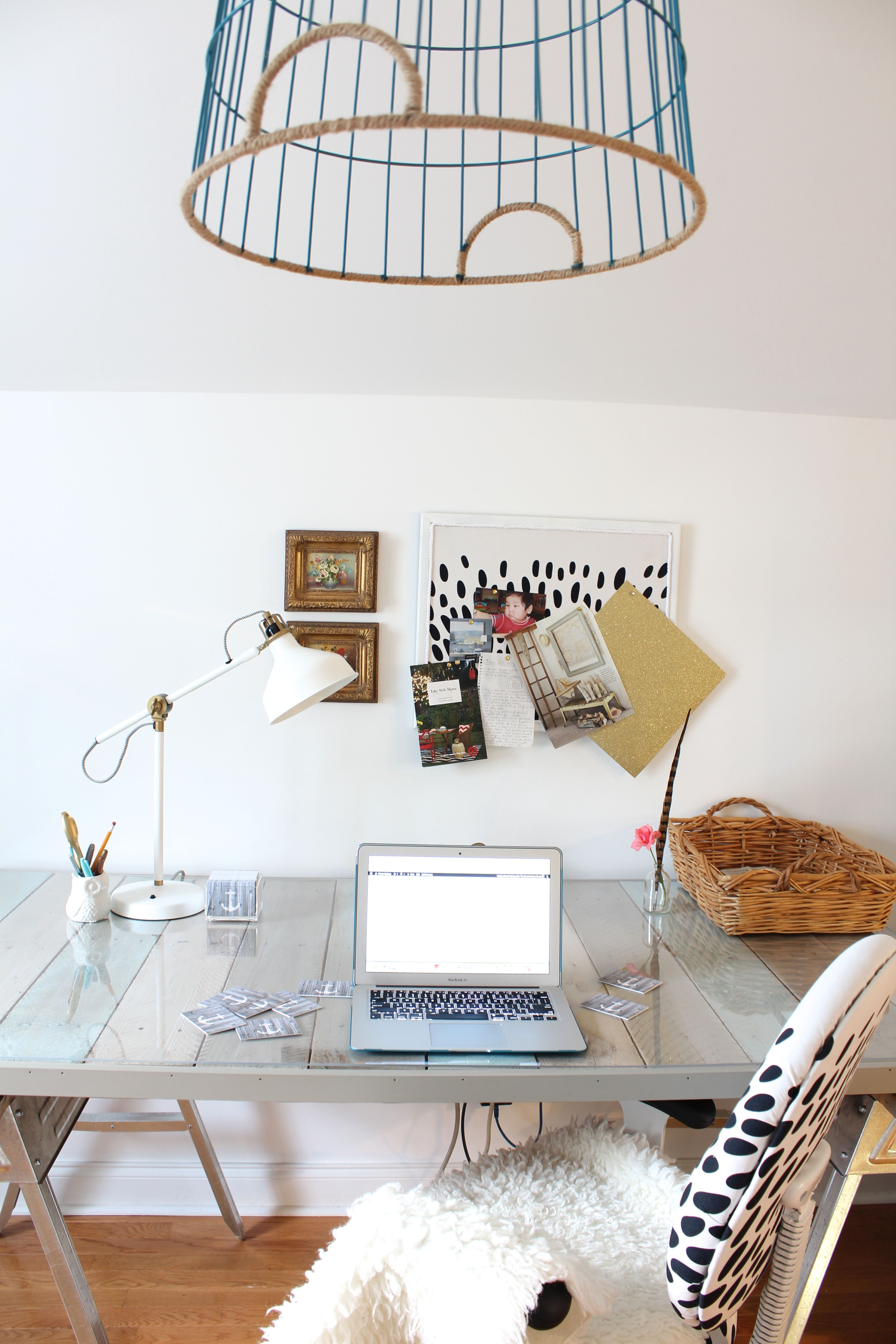A Cramped Office Gets an Airy Makeover