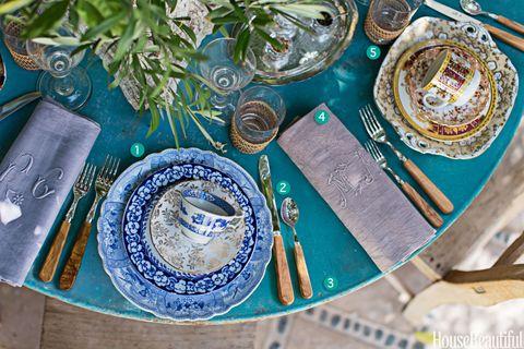 5 Steps to Creating a Vintage, But Elegant, Brunch Table