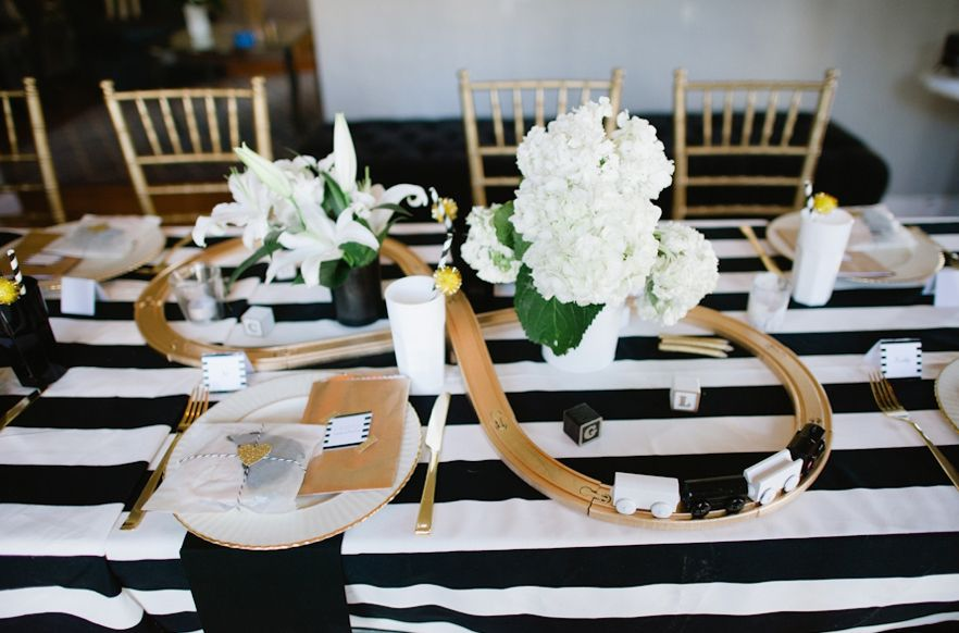 baby shower centerpieces and table decorations tablescape ideas for baby showers - Baby Shower Tablescapes Ideas