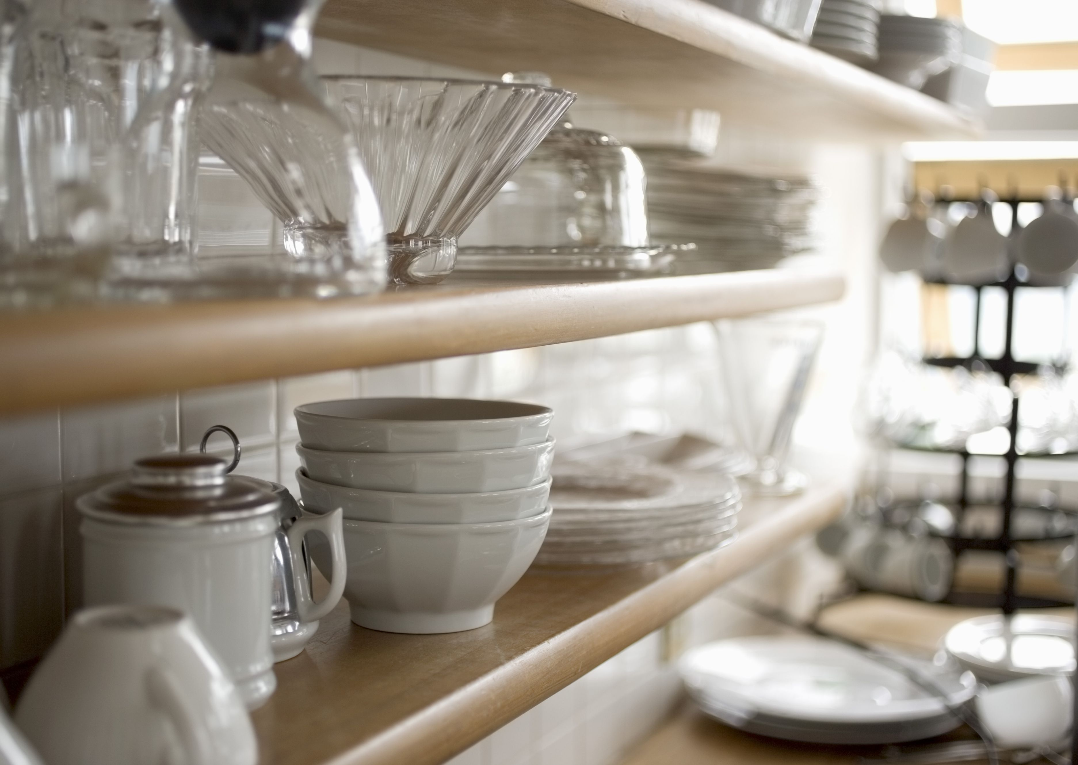 Mistakes With Dishware and Glasses - What Causes Plates to Crack