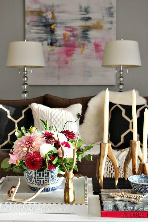 Lampshade, Room, Lamp, Lighting accessory, Flower, Petal, Bouquet, Interior design, Interior design, Cut flowers,