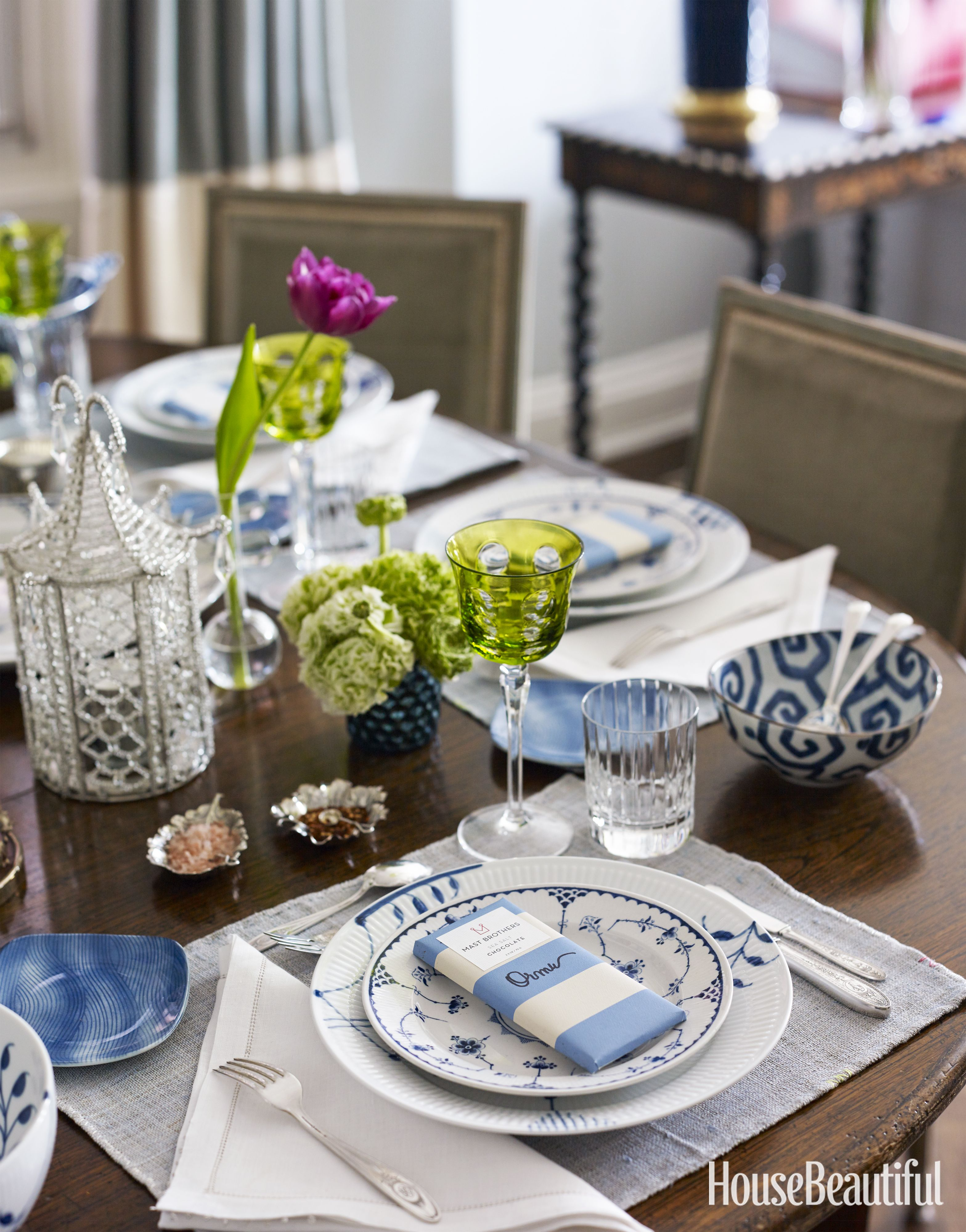 Look online (and in thrift shops) for beautiful sets of antique china and silver & 40+ Table Setting Decorations \u0026 Centerpieces \u2013 Best Tablescape Ideas