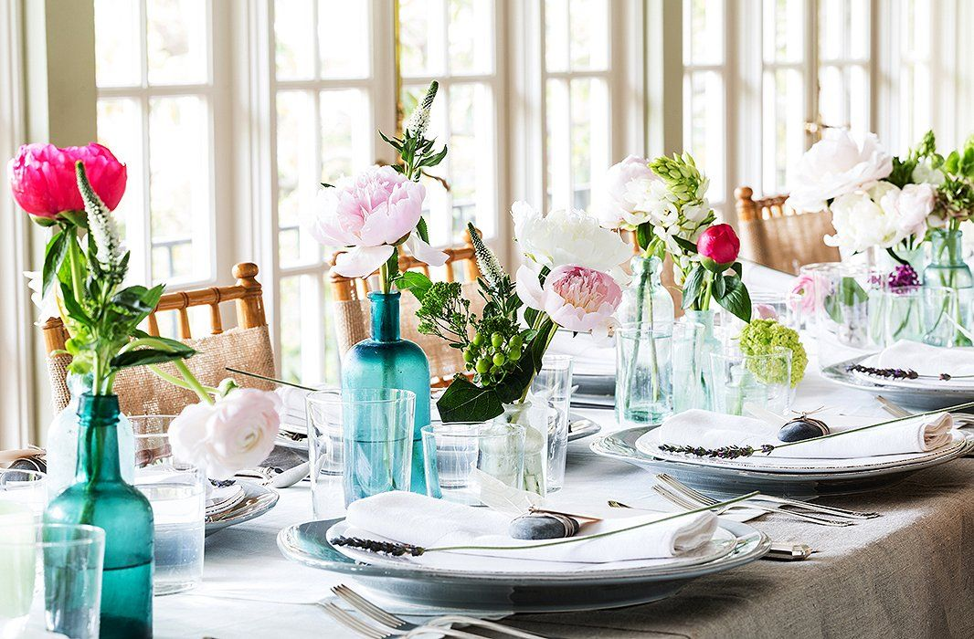 40 table setting decorations centerpieces best tablescape ideas rh housebeautiful com Formal Table Centerpiece Ideas Unique Table Centerpiece Ideas