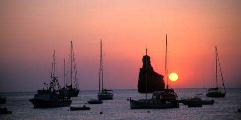 Sky, Dusk, Watercraft, Sunset, Water, Afterglow, Boat, Evening, Horizon, Sunrise,