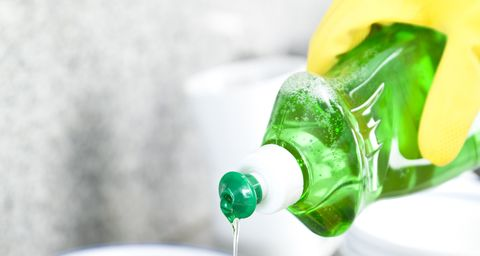 10 Genius New Uses for Dish Soap