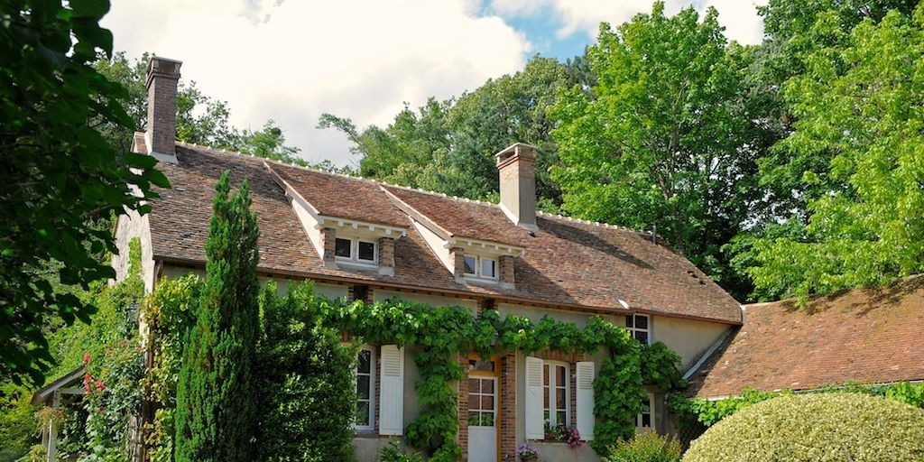 15 Vacation Homes With Show-Stealing Gardens