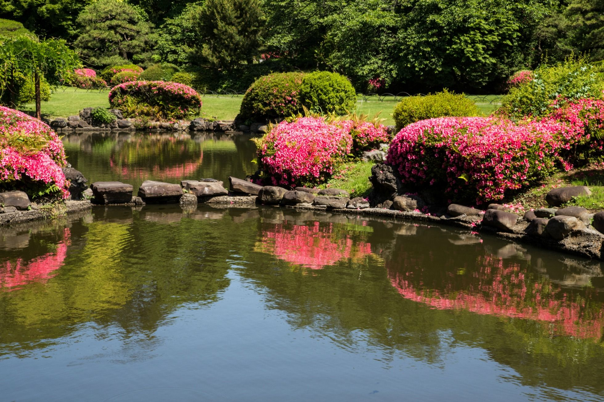 25 Beautiful Japanese Gardens - Pictures of Japanese Garden Design Ideas