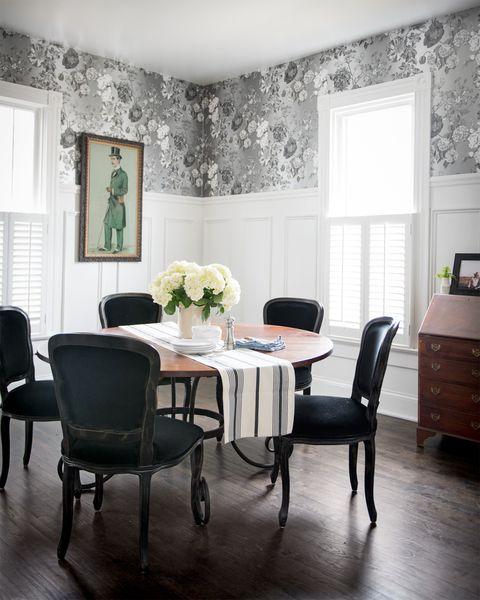 Room, Floor, Wood, Interior design, Flooring, Furniture, Table, Textile, Home, White,