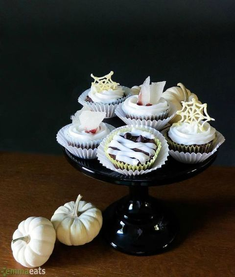 these rich vegan cupcakes are decorated with mummy details