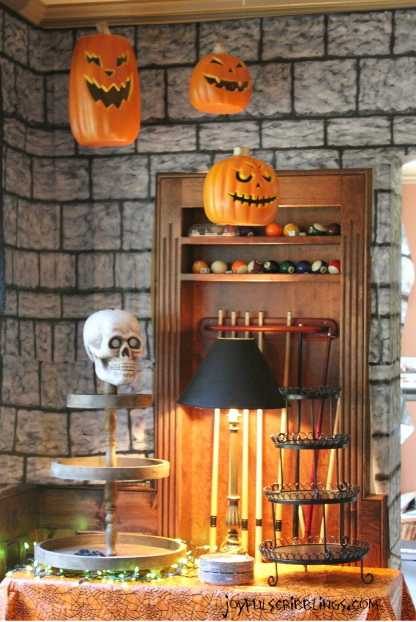 30+ Scary DIY Halloween Decorations - Cool Homemade Ideas for Halloween  Decorating