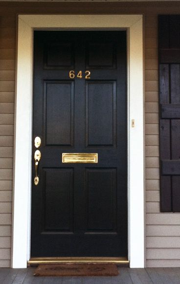 8 Front Door Makeovers That Make Our Hearts Sing