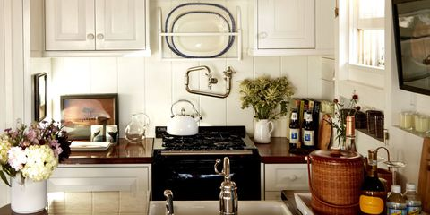 10 Things People With Tidy Kitchens Do Every Day
