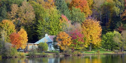 50 Small Towns With the Most Beautiful Fall Foliage