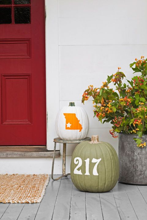 numbered pumpkins