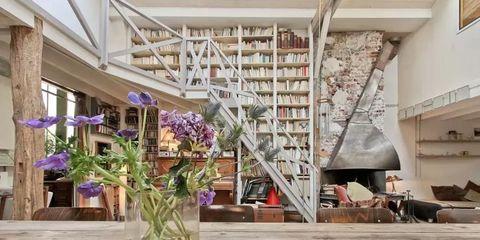 Interior design, Building, Room, Ceiling, Living room, Flower, Plant, Design, Architecture, Floristry,