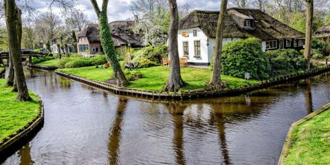 There's a Magical Little Town in Holland Where the Streets Are Made of Water