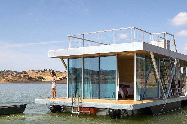 A Floating Tiny Home That Lets You Appreciate Nature Without Harming It