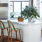 Room, Flowerpot, Drink, Bookcase, Wine bottle, Houseplant, Shelving, Shelf, Wood stain, Kitchen utensil,