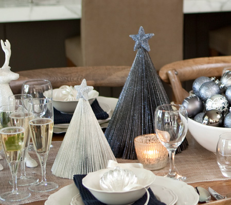 & 30+ Christmas Table Decorations \u0026 Place Settings - Holiday Tablescapes