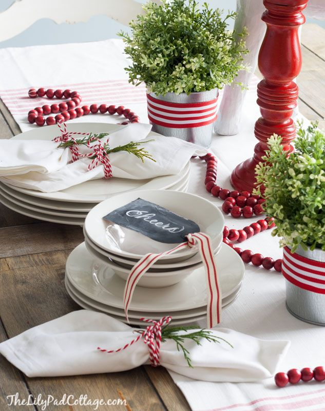 Christmas Table Decorations Place Settings Holiday Tablescapes - Christmas tartan table decoration