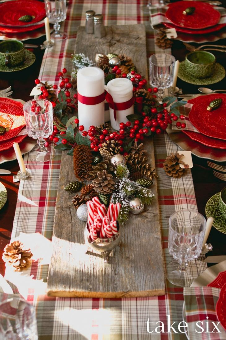 30+ Christmas Table Decorations & Place Settings - Holiday Tablescapes