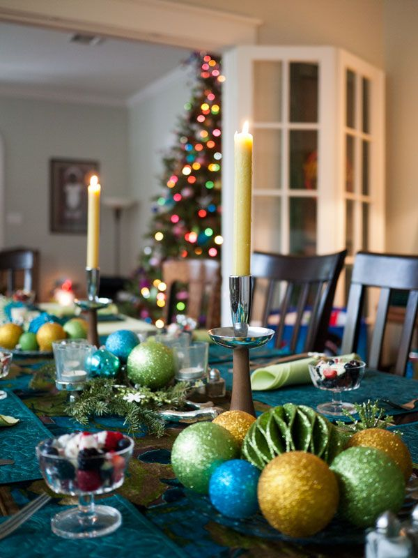 Christmas Table Decorations Place Settings Holiday Tablescapes - Christmas table centerpiece decorations ideas