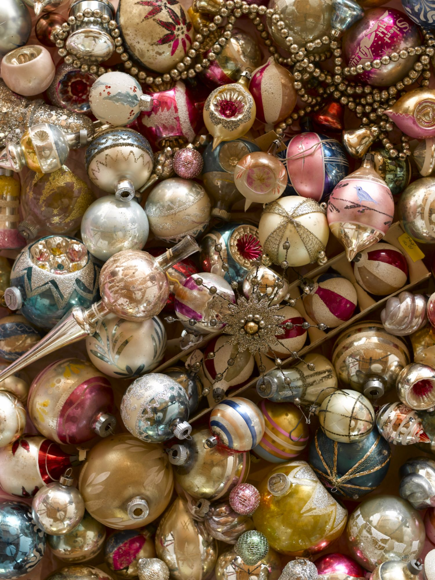 18 Vintage Christmas Decorations & Ornaments - Pictures of Old ...