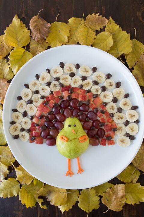 Yellow, Leaf, Bird, Adaptation, Beak, Fruit, Dishware, Garnish, World, Serveware,